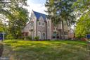 Gracious North Cleveland Park Beauty - 3601 VAN NESS ST NW, WASHINGTON