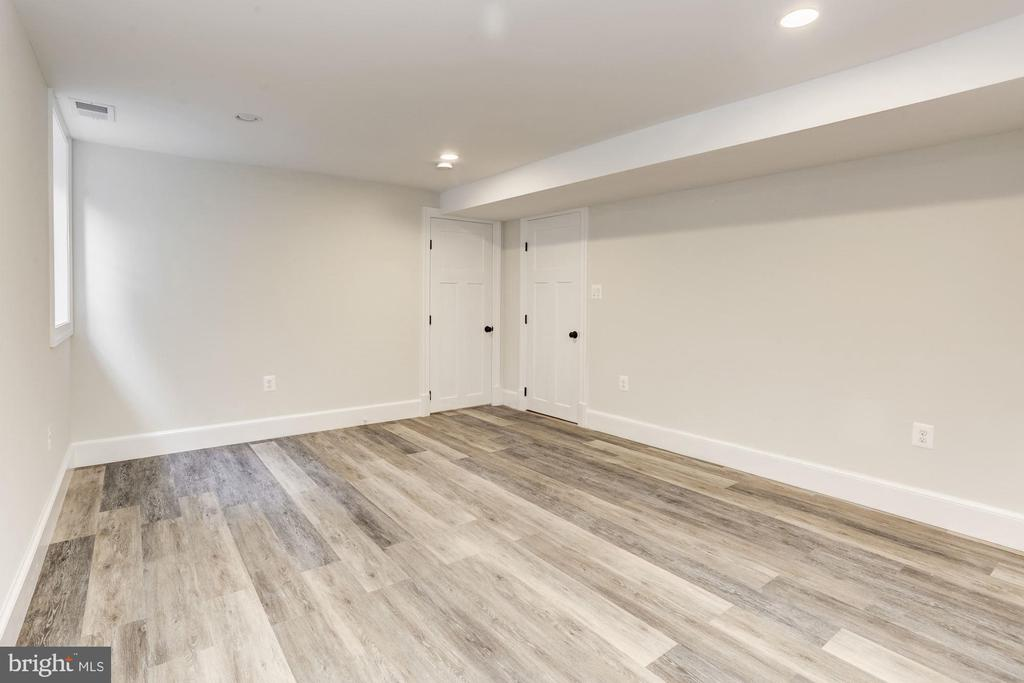 Basement fifth bedroom/Au Pair Suite - 3601 VAN NESS ST NW, WASHINGTON