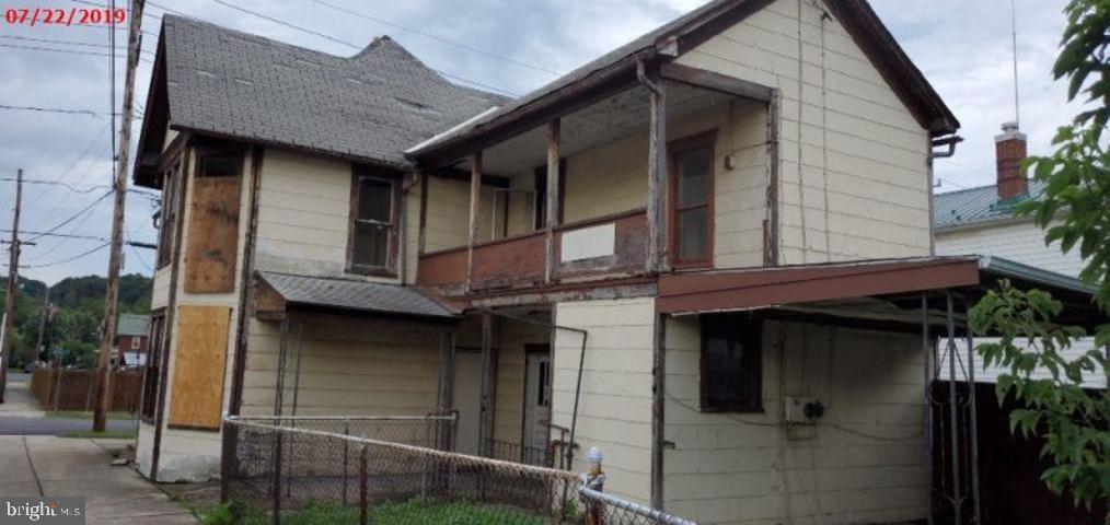 Duplex Homes para Alugar às Keyser, West Virginia 26726 Estados Unidos