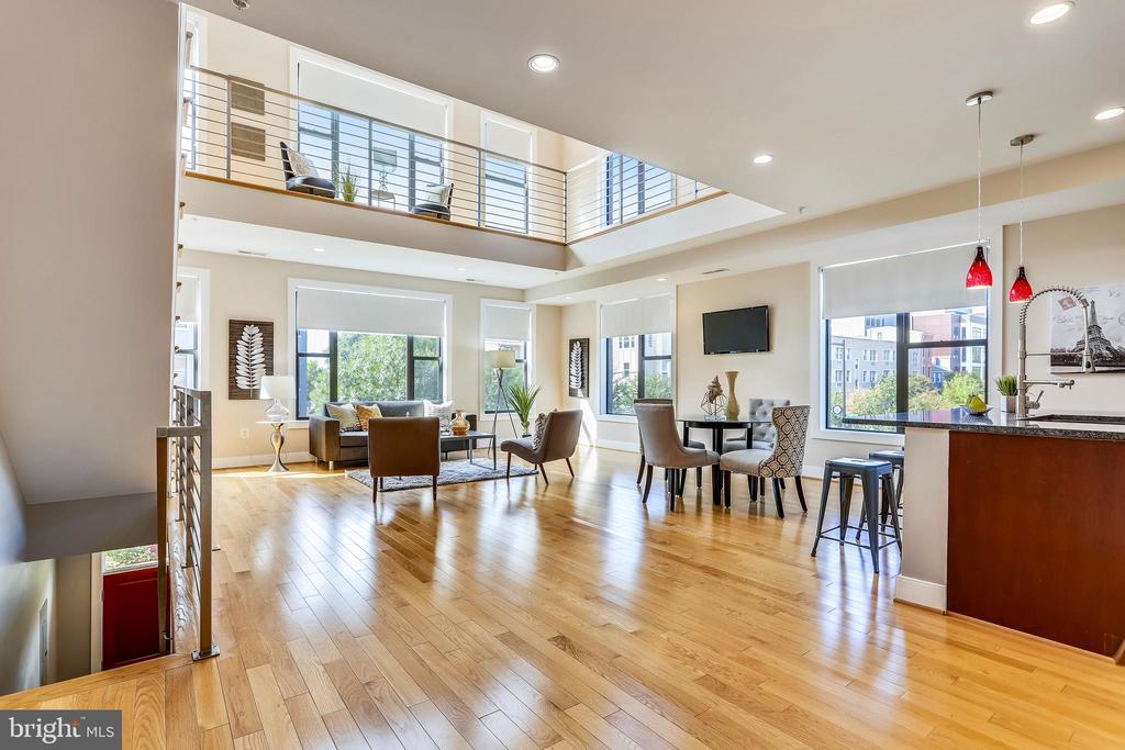 Open floor plan with over 2100 square feet. - 1400 K ST SE #2, WASHINGTON