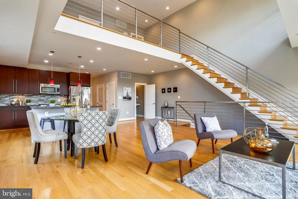The stairway to the second floor. - 1400 K ST SE #2, WASHINGTON