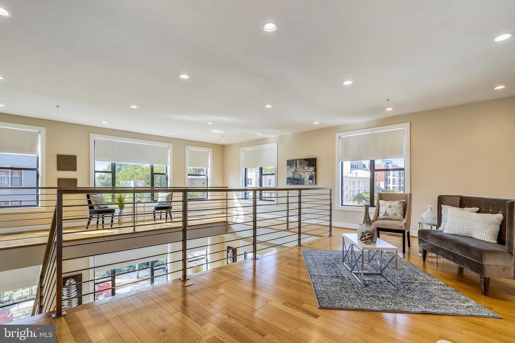 The second level den, office, yoga loft? - 1400 K ST SE #2, WASHINGTON