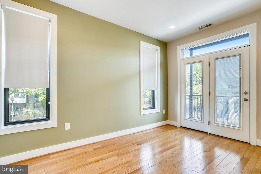 The second first level bedroom. - 1400 K ST SE #2, WASHINGTON