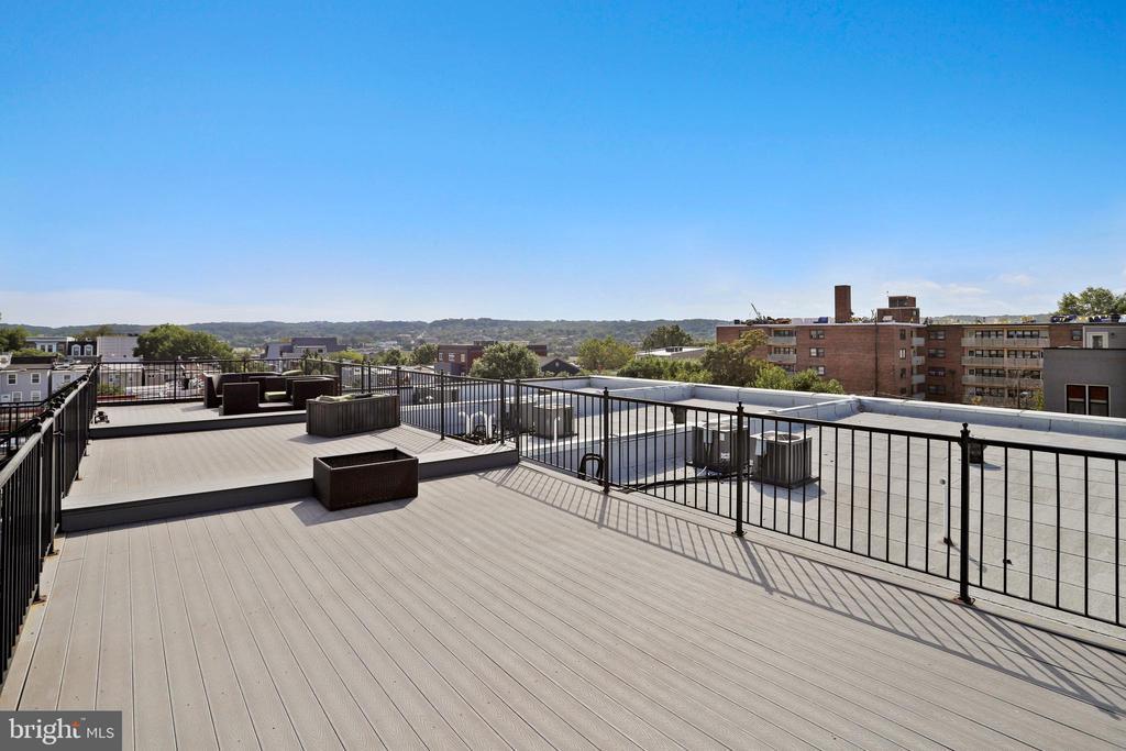 The roof deck view. - 1400 K ST SE #2, WASHINGTON