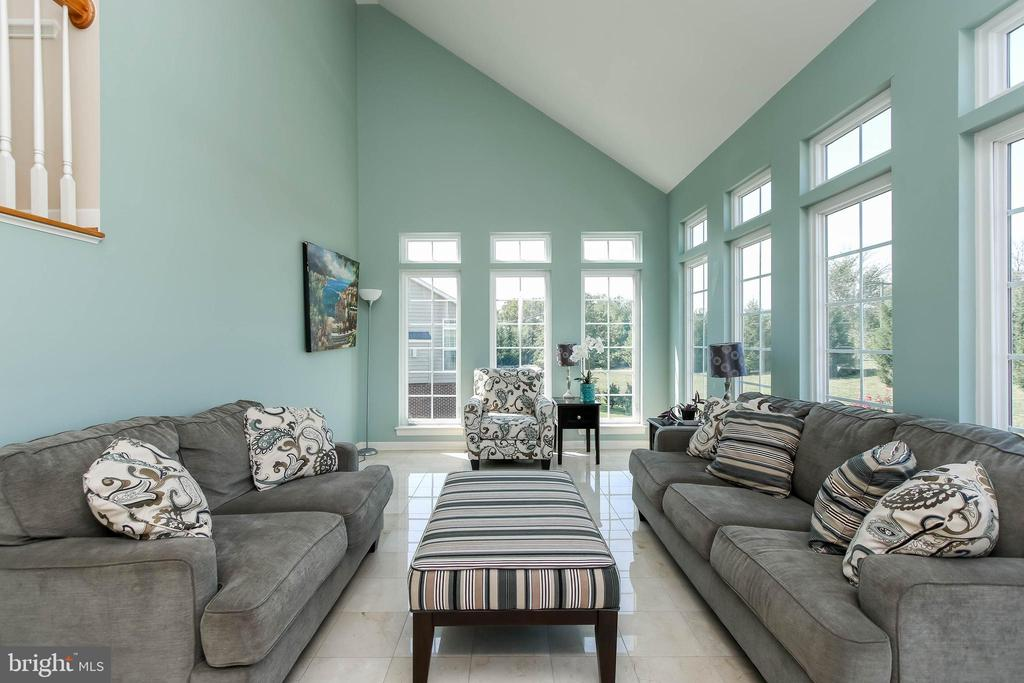 GORGEOUS SUN ROOM WITH A TON OF NATURAL LIGHT - 5401 ADAMSTOWN COMMONS DR, ADAMSTOWN