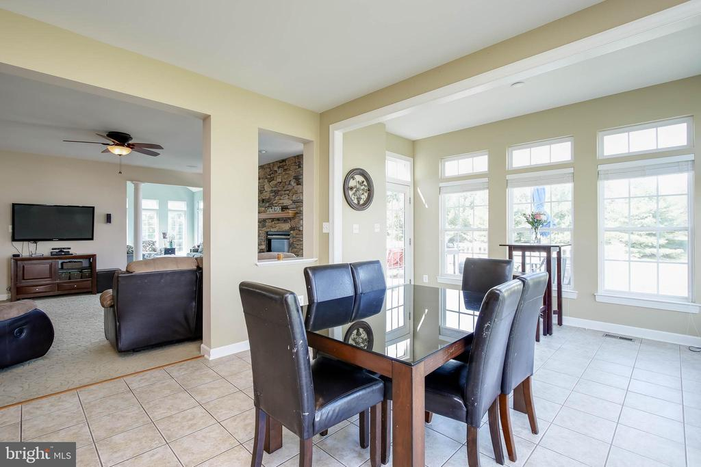 BREAKFAST ROOM - 5401 ADAMSTOWN COMMONS DR, ADAMSTOWN
