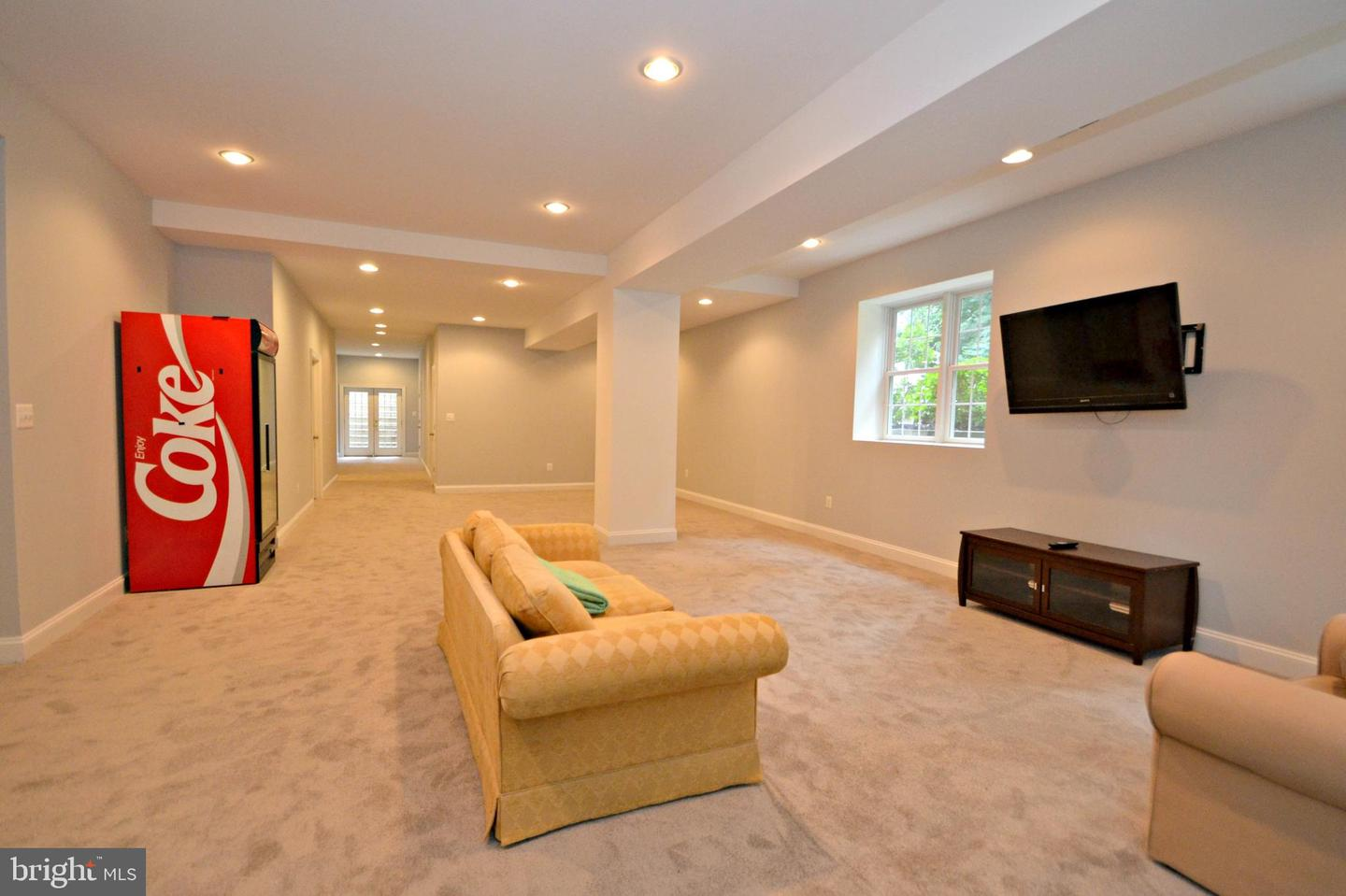 Additional photo for property listing at  Cockeysville, Maryland 21030 United States