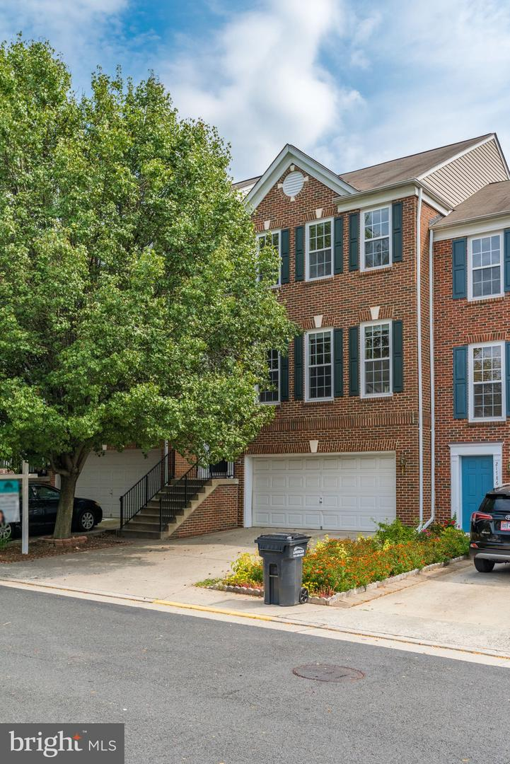 Photo of 21784 CYPRESS VALLEY TER, STERLING, VA 20166