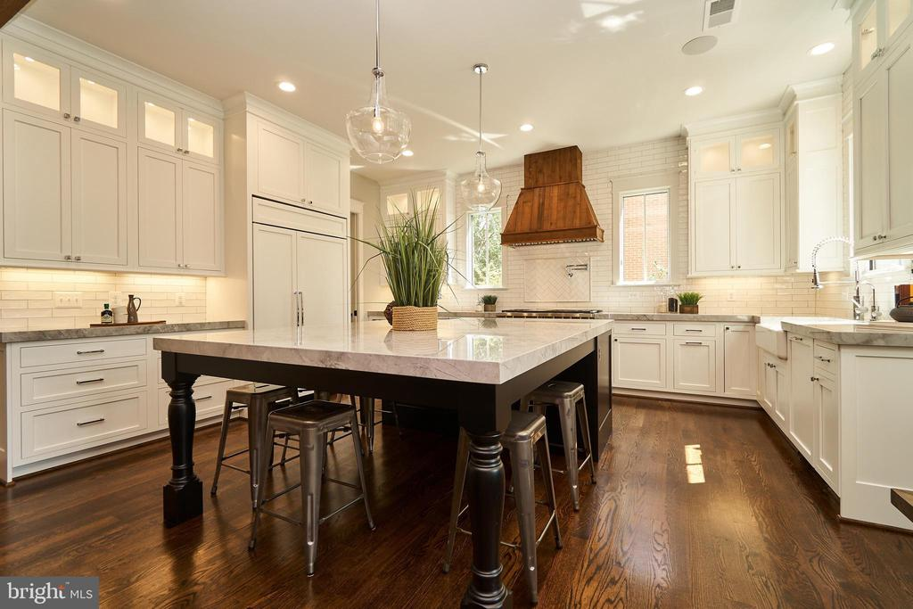 Huge kitchen island with 2
