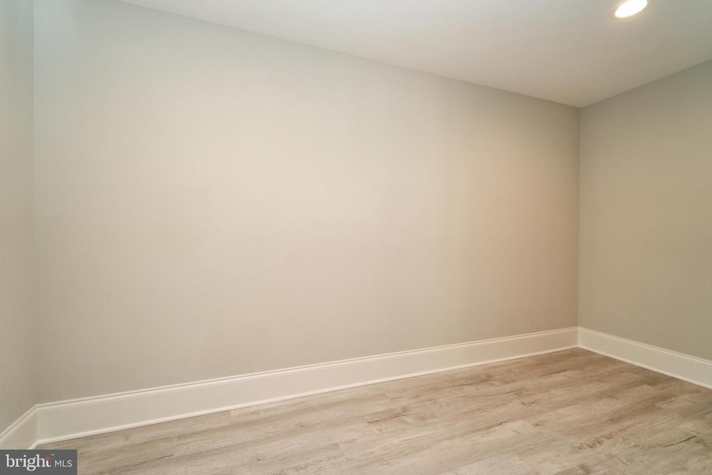 Basement Office or craft room. - 3616 N UPLAND ST, ARLINGTON