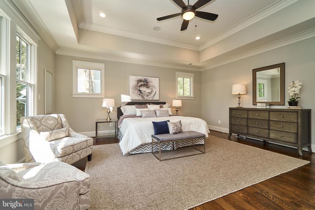 Master bedroom. 9' ceilings throughout 2nd floor. - 3616 N UPLAND ST, ARLINGTON
