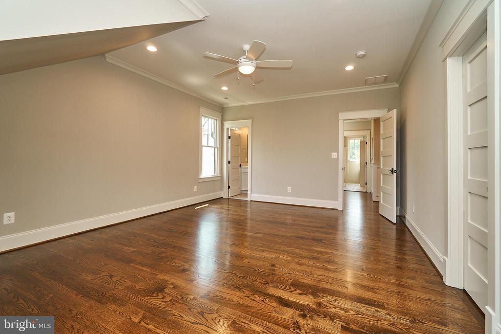 Bedroom 2, 2nd floor. - 3616 N UPLAND ST, ARLINGTON