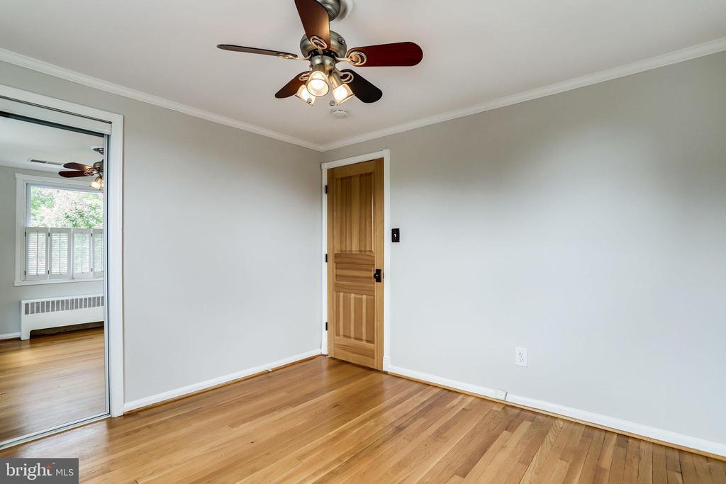 Bedroom 1 - Beautiful Hardwood Floors - 2902 LANDOVER ST, ALEXANDRIA