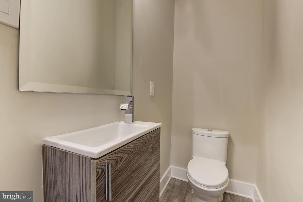 Powder Room - 1715 KENYON ST NW #2, WASHINGTON