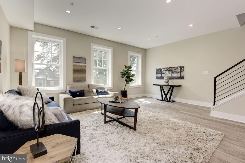 Front Living Room - 1715 KENYON ST NW #2, WASHINGTON