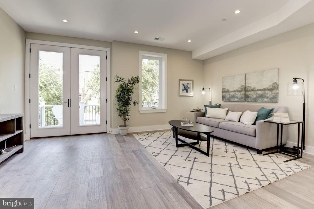 BONUS Room with French Doors to Deck 1 - 1715 KENYON ST NW #2, WASHINGTON