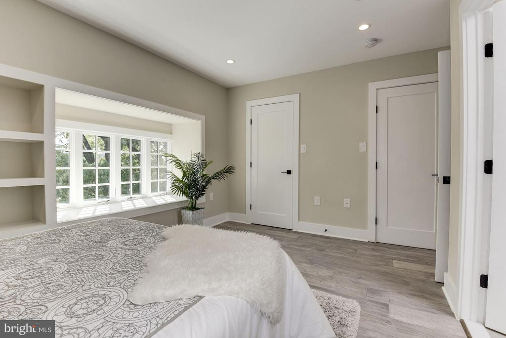 Second Master Bedroom Built-In's - 1715 KENYON ST NW #2, WASHINGTON