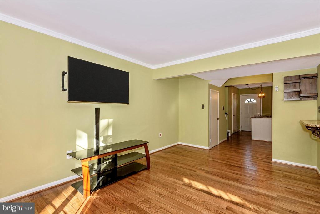 Living Room - 8 ORCHARD DR, GAITHERSBURG