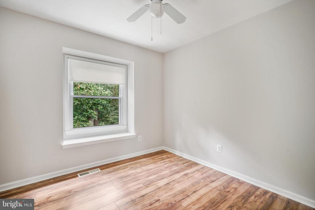 Upstairs Bedroom 3 - 9616 STAYSAIL CT, BURKE
