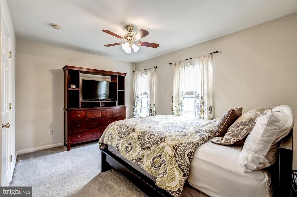 bedroom 3 view - 26145 NIMBLETON SQ, CHANTILLY