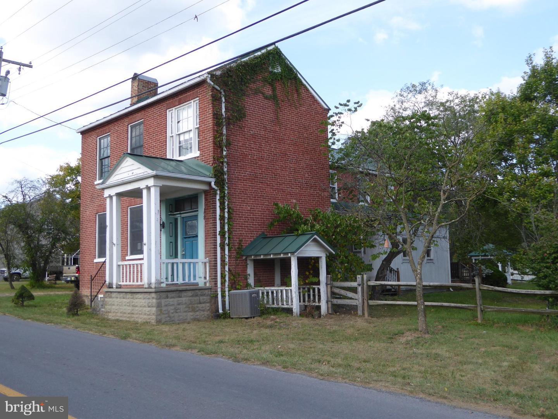 Single Family Homes para Venda às Springfield, West Virginia 26763 Estados Unidos