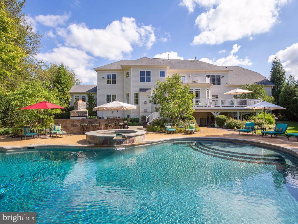 Beautiful heated pool, - 23429 ROUNDUP PL, ALDIE