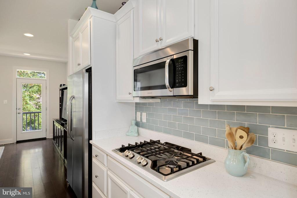 - 4642 WOODBERRY ST, RIVERDALE
