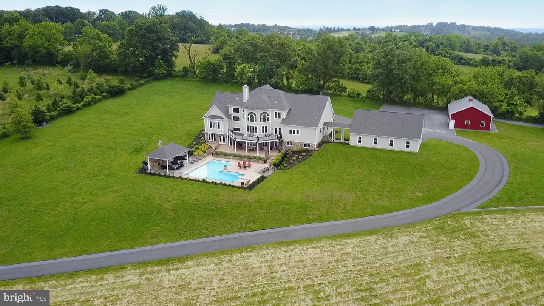 Single Family Homes 為 出售 在 Leesburg, 弗吉尼亞州 20175 美國