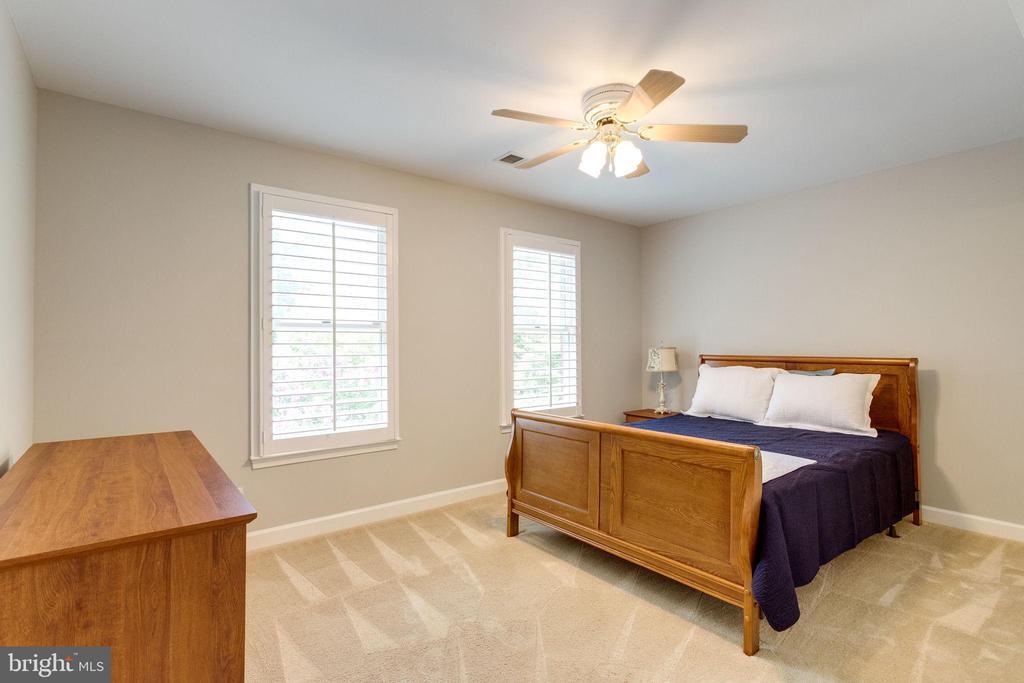UL Bedroom 2 - 7395 BEECHWOOD DR, SPRINGFIELD