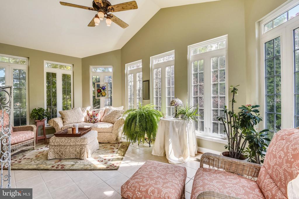 Sunroom- Floor to Ceiling Windows - 1221 ADMIRAL ZUMWALT LN, HERNDON