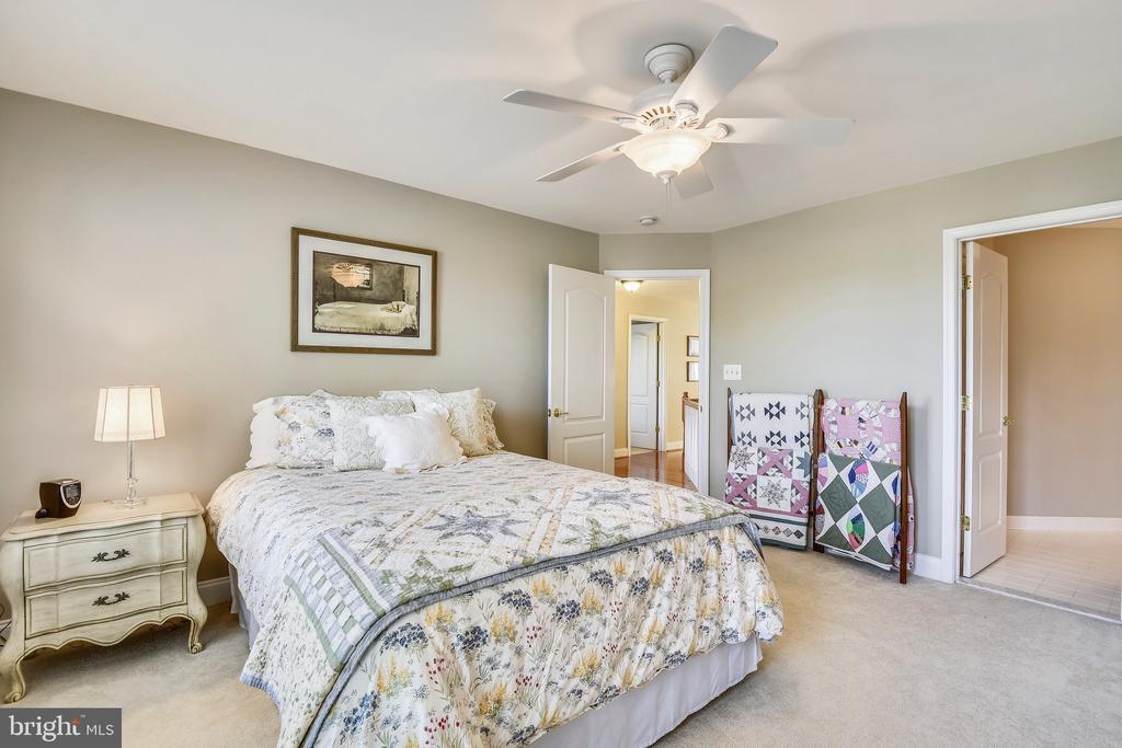 Guest Bedroom, with En Suite Bath - 1221 ADMIRAL ZUMWALT LN, HERNDON