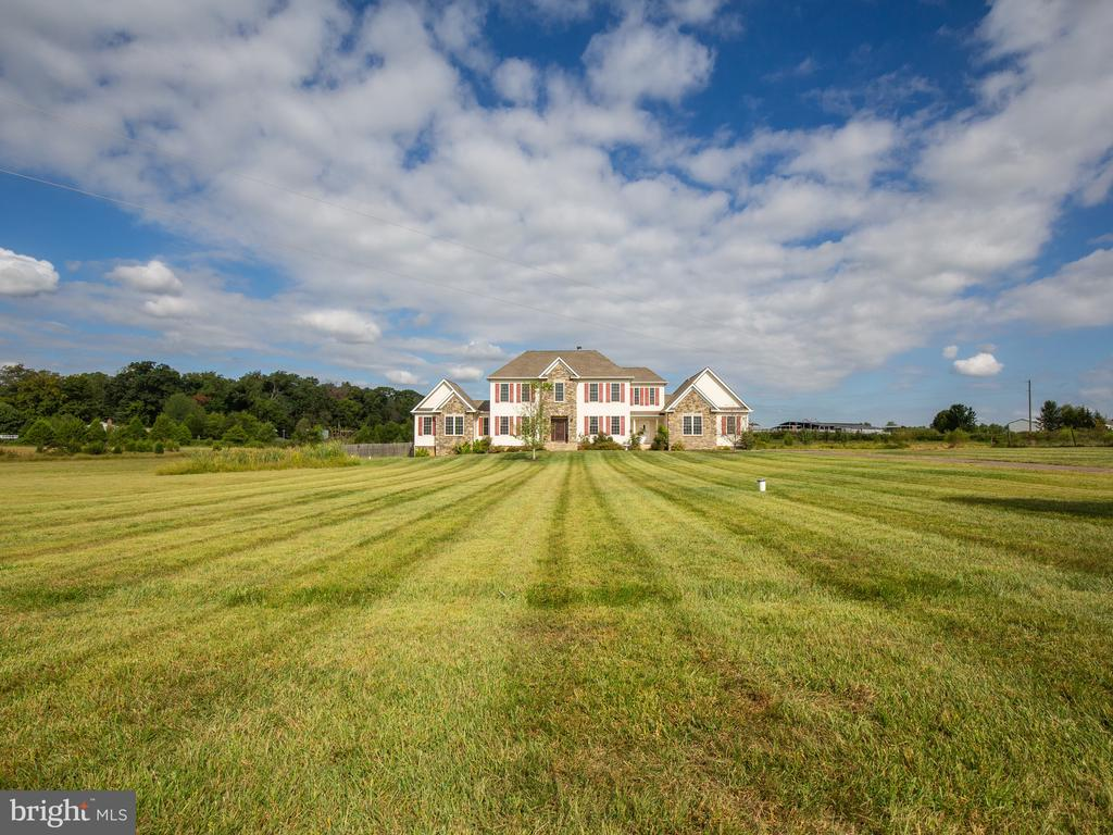 10 Acres of beautiful open space - 11000 MISTY CREEK CT, NOKESVILLE