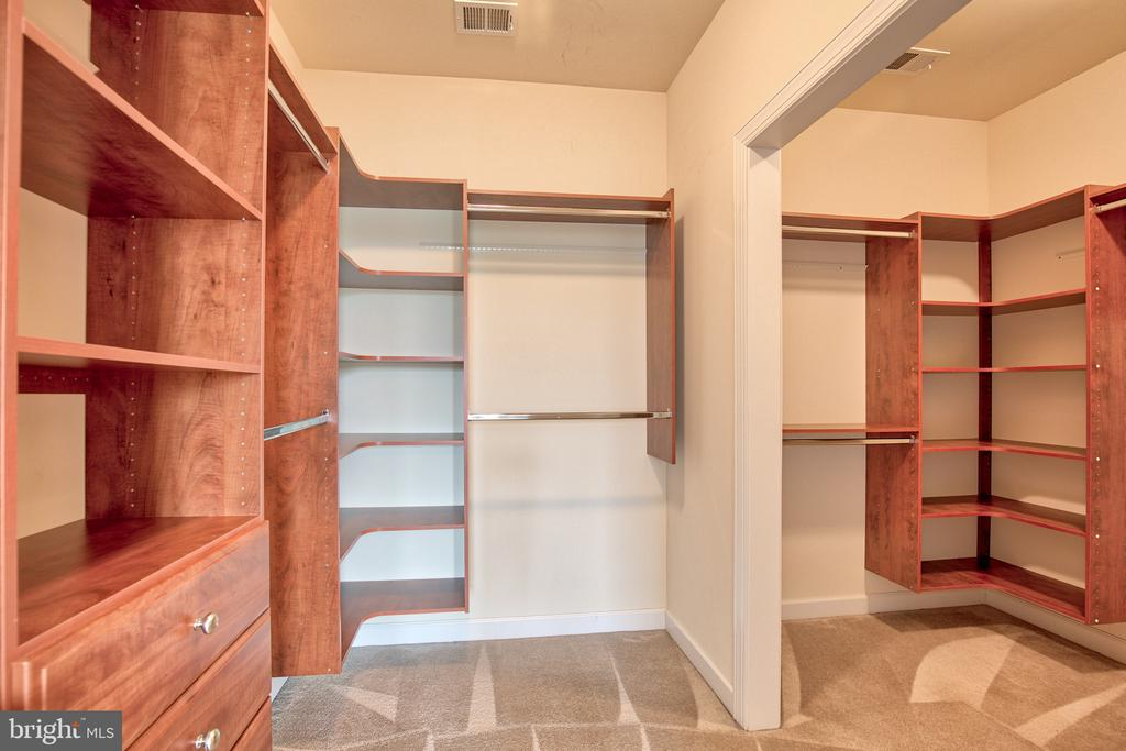 Master Walk-in Closet - 11000 MISTY CREEK CT, NOKESVILLE