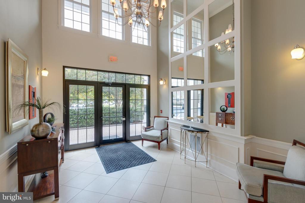 Luxurious lobby - 24701 BYRNE MEADOW SQ #306, ALDIE