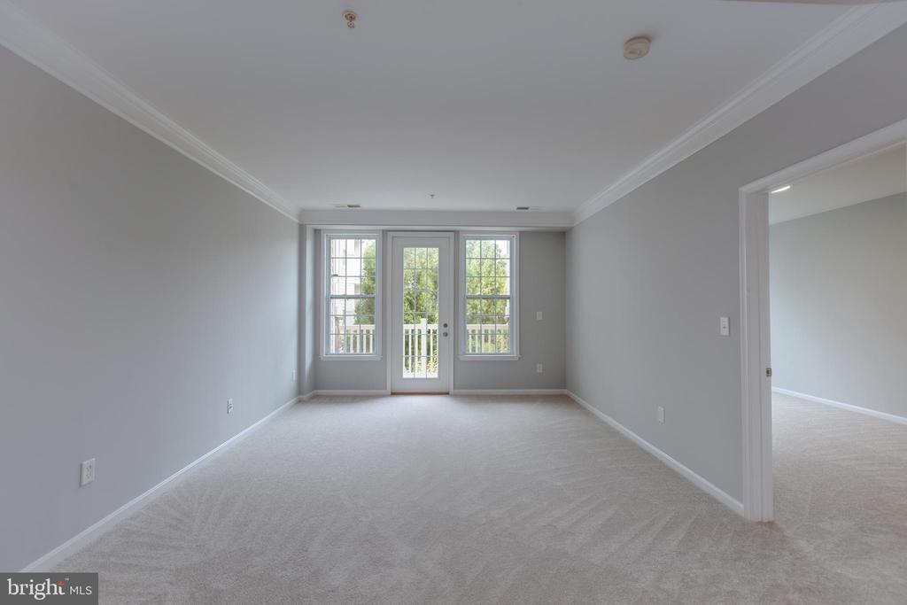 Living Room with Balcony - 24701 BYRNE MEADOW SQ #306, ALDIE