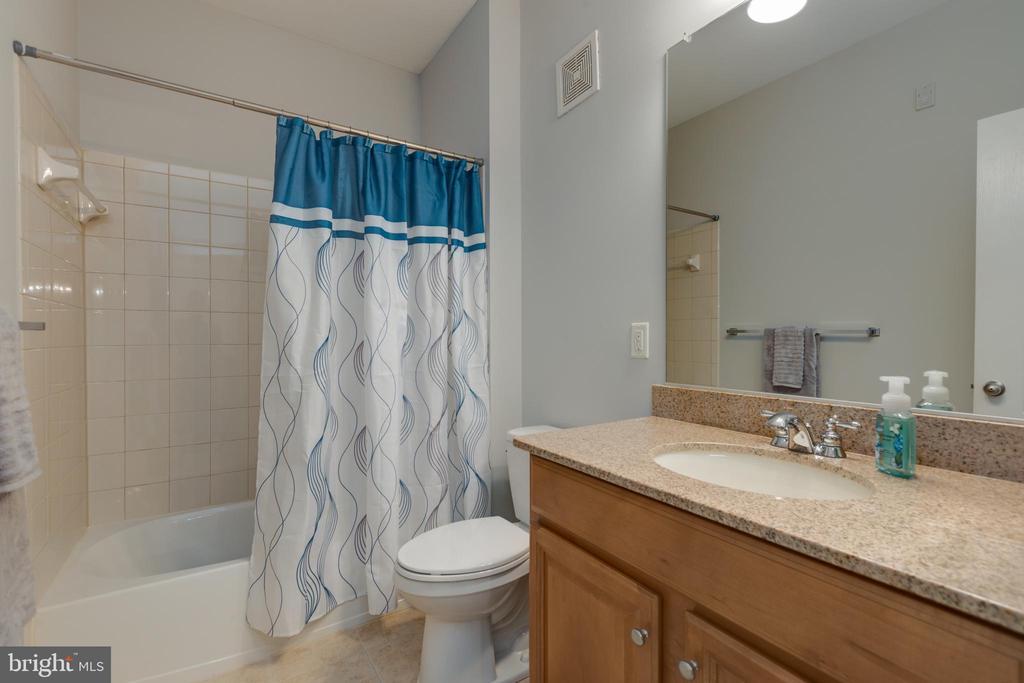 2nd bathroom - 24701 BYRNE MEADOW SQ #306, ALDIE