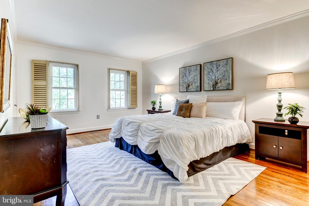 large master bedroom - 1810 24TH ST S, ARLINGTON