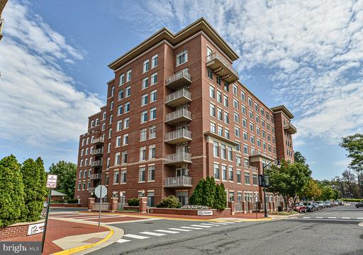 4480 MARKET COMMONS DR #111