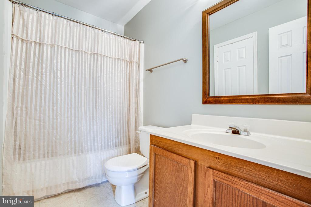 Ensuite off second master - 15009 BRIDGEPORT DR, DUMFRIES