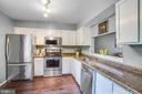 Stainless steel, hardwood, gleaming counters - 15009 BRIDGEPORT DR, DUMFRIES