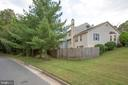 Mature trees, and every house is different! - 15009 BRIDGEPORT DR, DUMFRIES