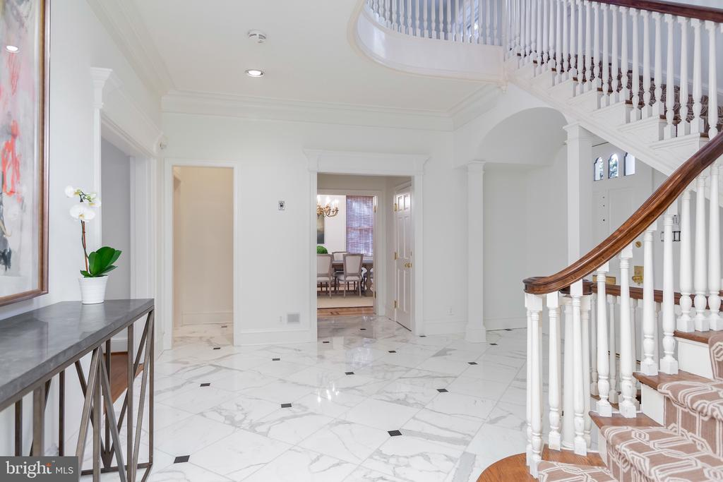 19 Foot Ceiling in Foyer - 2848 MCGILL TER NW, WASHINGTON