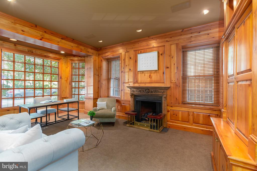 Study with Front Bay Window - 2848 MCGILL TER NW, WASHINGTON