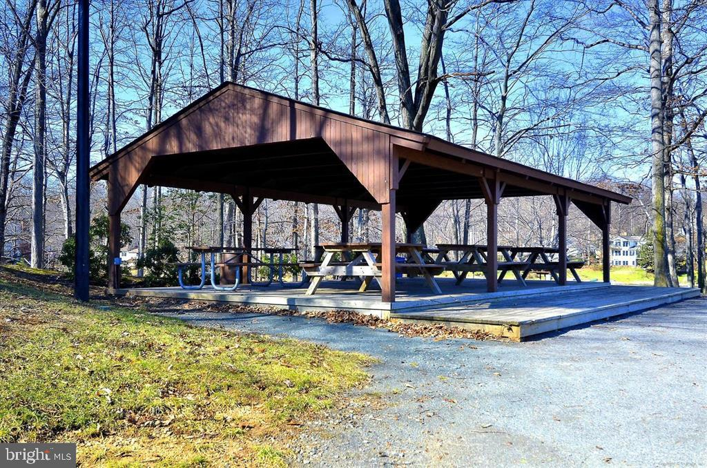 Several resident-only picnic pavilions - 15009 BRIDGEPORT DR, DUMFRIES