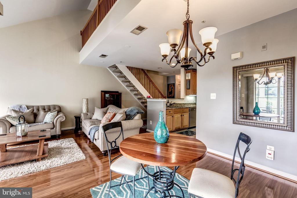 Dining and Living Area - 25220 LAKE SHORE SQ #303, CHANTILLY
