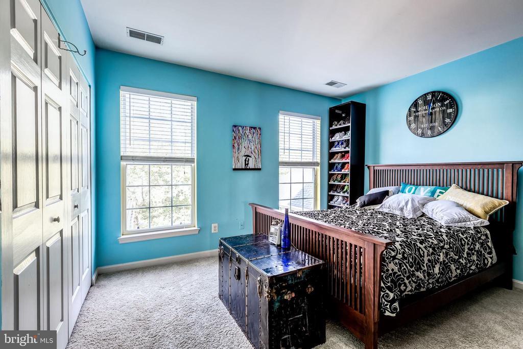 Bedroom 2 - 25220 LAKE SHORE SQ #303, CHANTILLY
