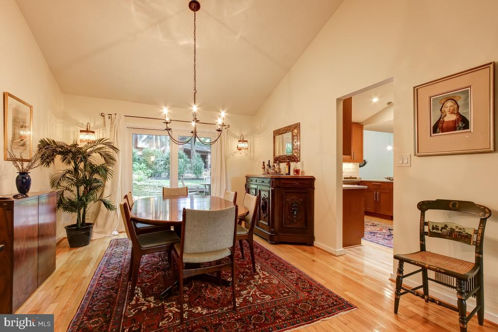 Dining Room opens to rear Deck - 1935 UPPER LAKE DR, RESTON