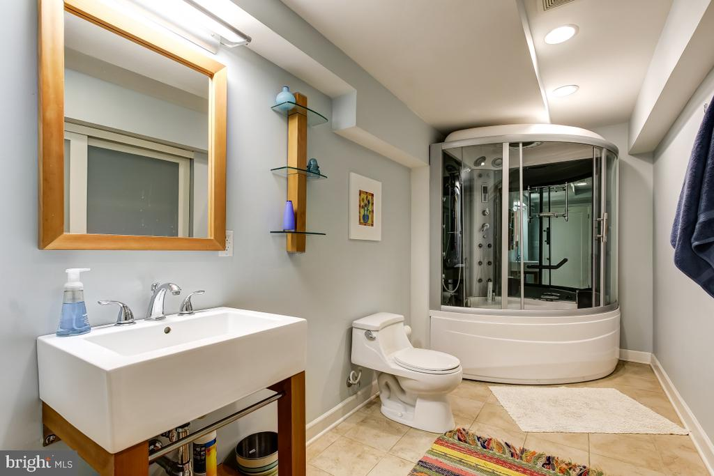 Lower Level Full Bath with Luxury Shower - 1935 UPPER LAKE DR, RESTON