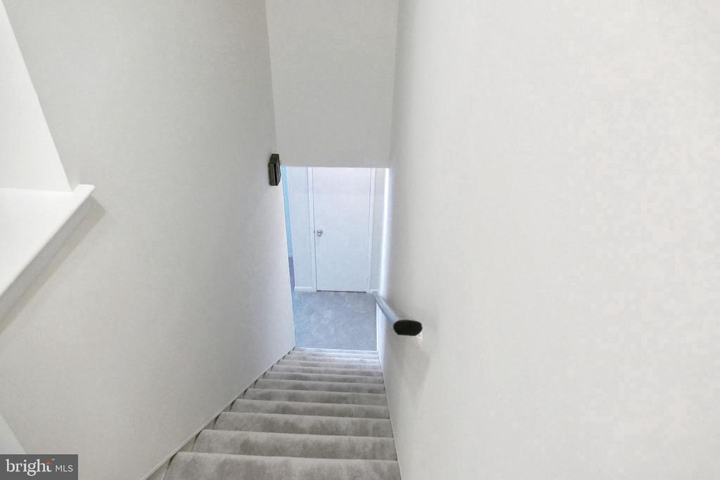 Stairwell to BR level... - 2629 S WALTER REED DR #C, ARLINGTON