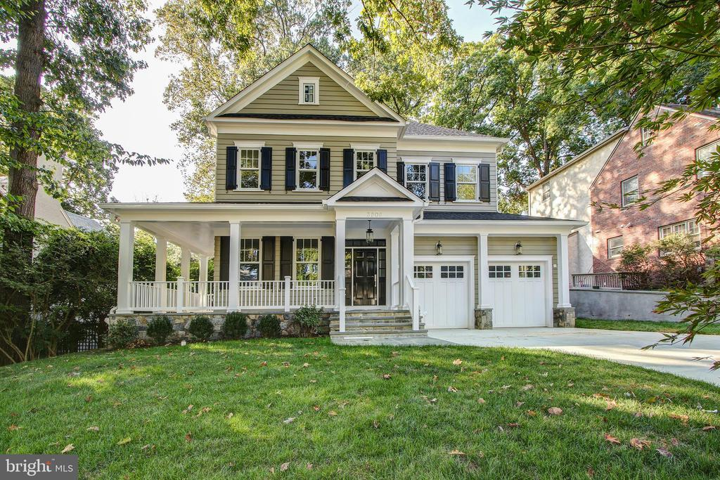 Gorgeous front of house - 3206 ROLLING RD, CHEVY CHASE